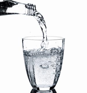 Cmo se forman las burbujas en los vasos de agua